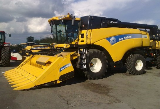 New Holland - CX8080 Elevation